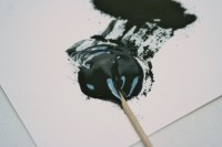 Mixing the resin and charcoal powder