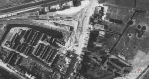 Luchtfoto Station Leiden 1945