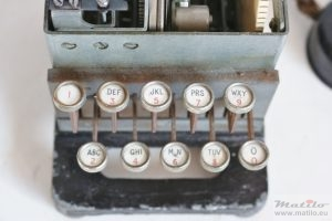 Key sender keys