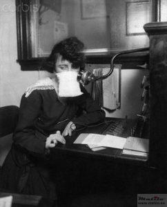1918 telephone operator