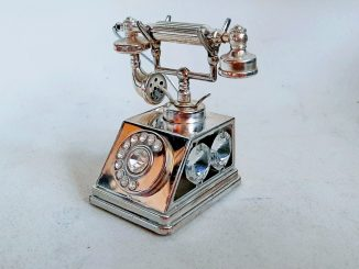 Silver and cristal phone