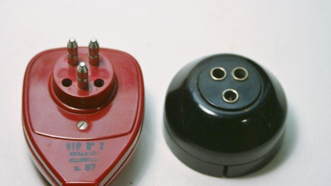 Grillo plug and PTT socket